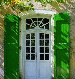 Porte d'entrée bois finition RAL, avec petits bois